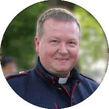 ks. Robert Pochopień