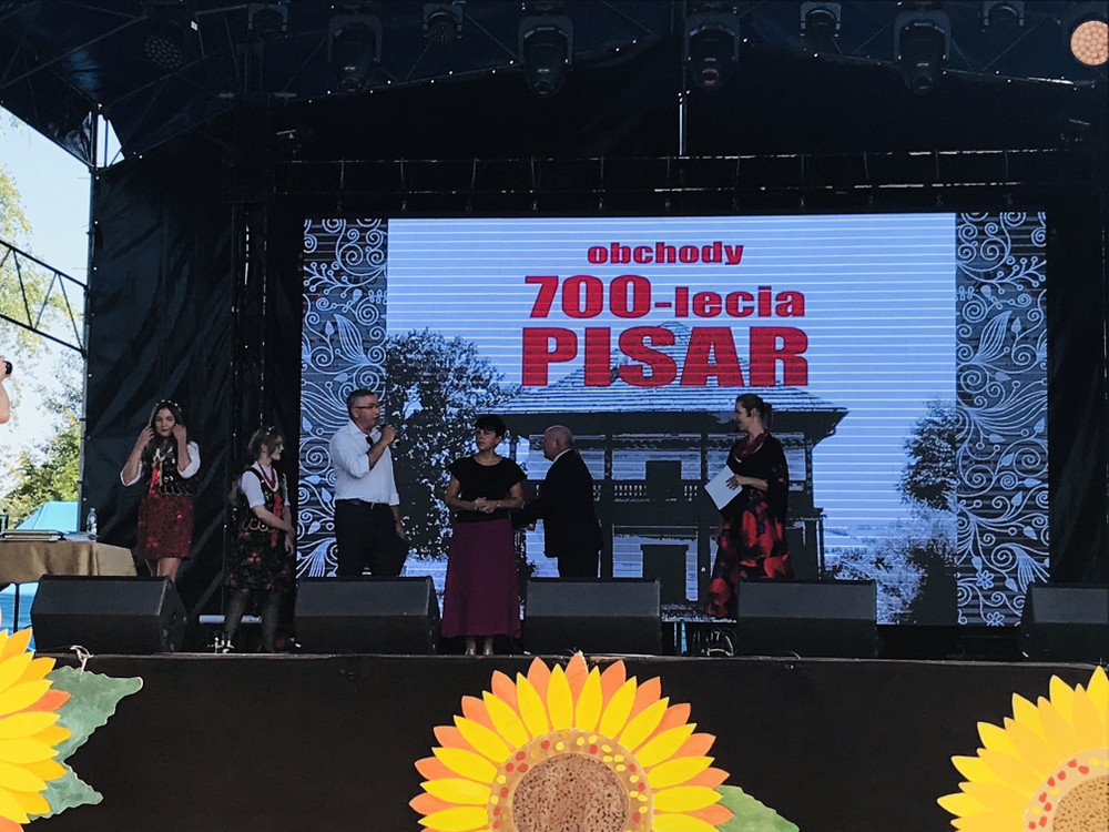 PISARY ŚWIĘTUJĄ 700 LAT